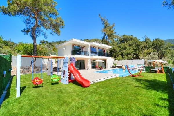Çocuk Havuzlu Villa