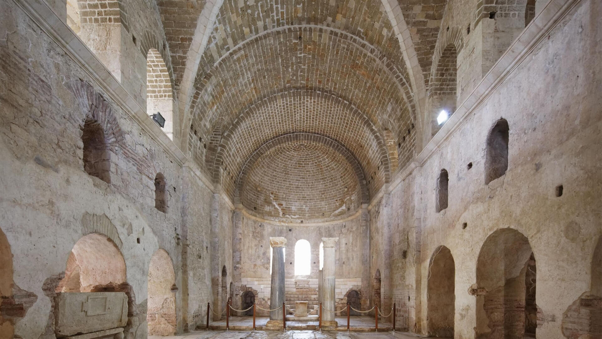 ST.NİCHOLAS (NOEL BABA) KİLİSESİ